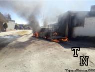 Arde camioneta con combustible robado en Santa María Nenetzintla, Acajete
