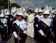 Inician  fiestas de abril  el Santuario del Niño Doctor de Tepeaca con   desfile de carros alegóricos