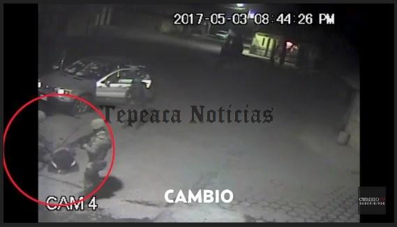 Militares ejecutan con tiro de gracia en Palmarito (Video)