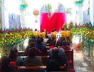 Festeja  barrio del  Calvario en Tepeaca festividad patronal; inaugura Arzobispo en Tlahuiloya decorado