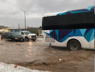 Fuerte granizada deja inundaciones, lodo y basura en carretera federal y calles de Tepeaca
