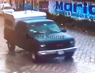 Roban camioneta en barrio de  San José en Tepeaca; captan presunto ladrón