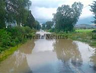 Se desborda nuevamente barranca del Águila en Tepeaca;inunda casas,  caminos y acceso
