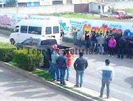 Disparan a camioneta en boulevard Cuauhtémoc de Tepeaca.