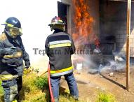 Controlan bomberos incendio en comercio de Tepeaca